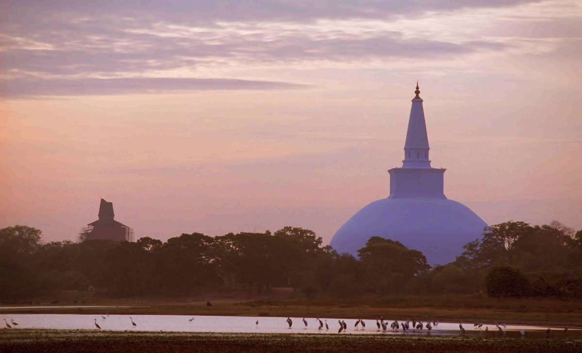 Ruwanveliseya over Basawakkulama Anuradhapura